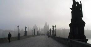 Praga, il Ponte Carlo e le leggende: folletti e magia