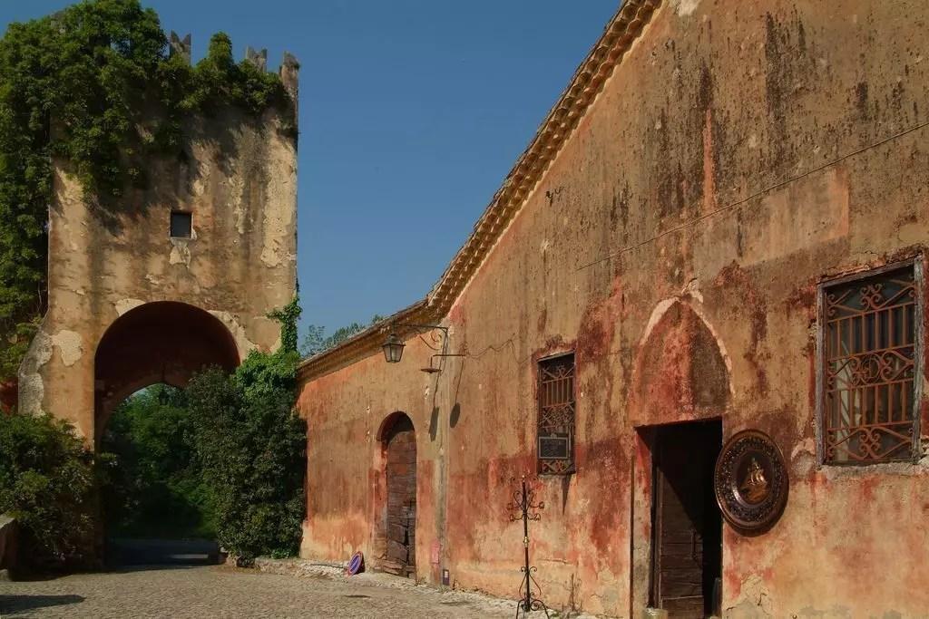 fossanova-abbazia-rossa