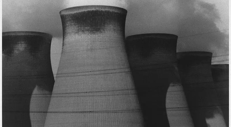 (2)-Press-Image-l-David-Lynch-Untitled-(England)-late-1980s-early-1990s
