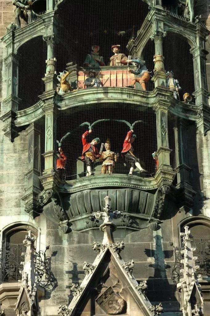 monaco-carillon-piazza