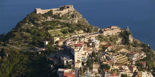 Castelmola e il bar Turrisi in Sicilia