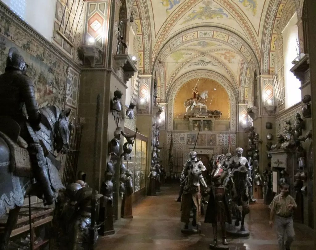 Museo_stibbert,_interno_01