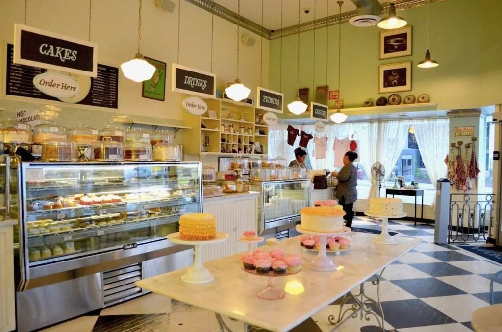 magnolia-bakery-interno