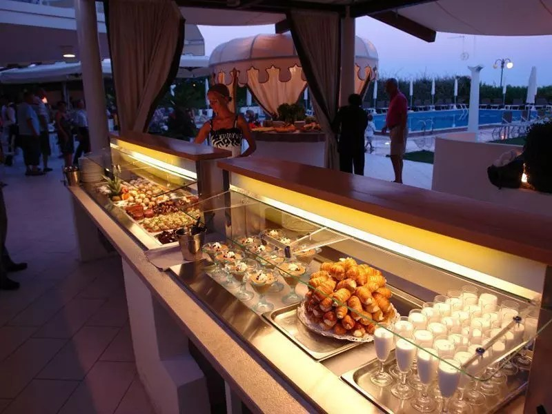 Hotel-Mariver-buffet