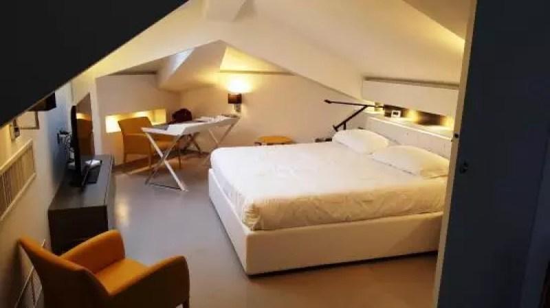Hotel-Mariver-camera