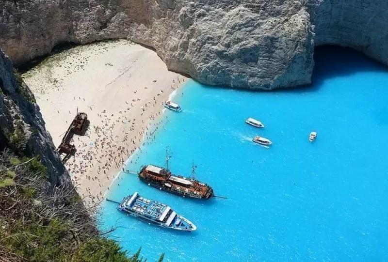 zante-spiaggia-relitto