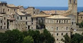 Costa marchigiana: 4 borghi arroccati sul mare