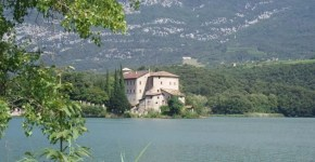 Il fascino romantico di Castel Toblino