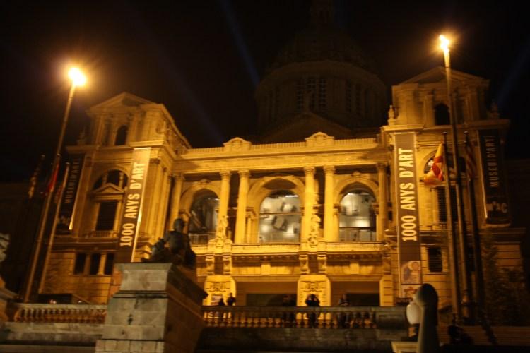 la facciata del MNAC di barcelona