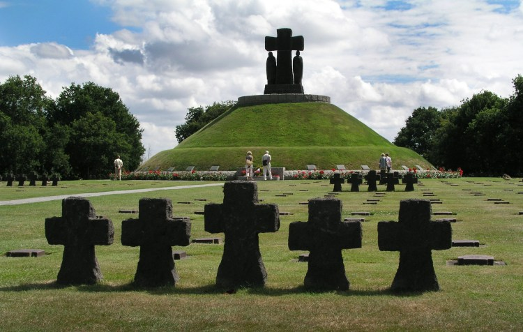 sbarco in normandia cimitero tedesco