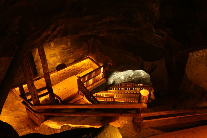 un dettaglio del percorso turistico della miniera di sale di wieliczka vicino a cracovia in polonia