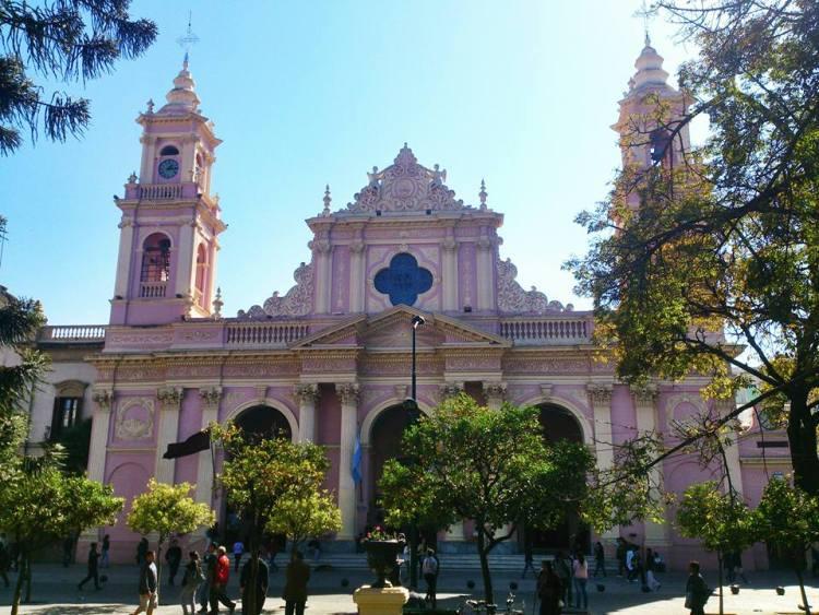 la facciata della cattedrale di salta la linda