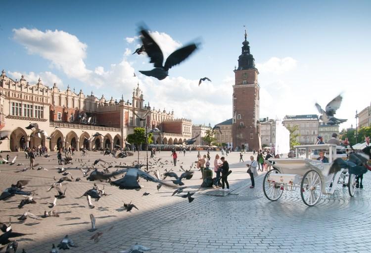 la piazza del mercato di cracovia in polonia