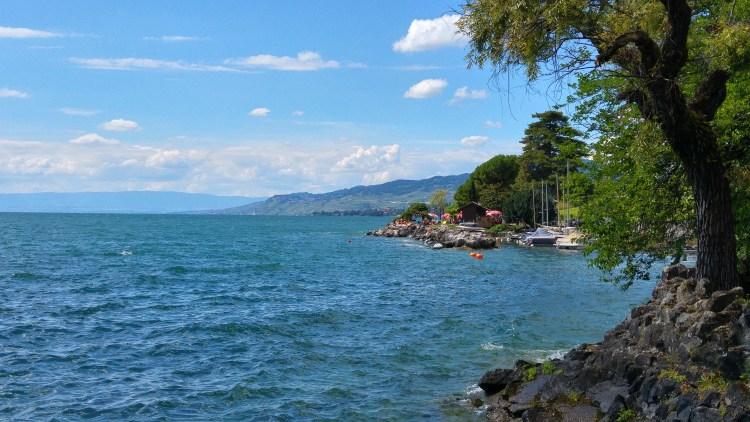 spiaggia chateaux de chillon svizzera francese