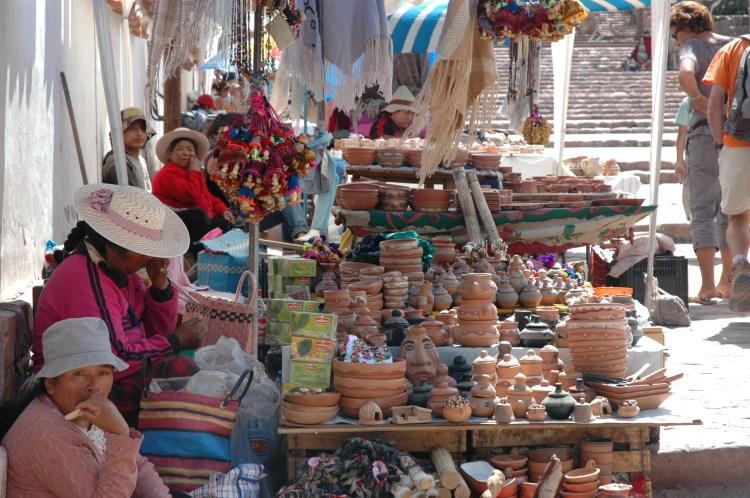 venditori di terrecotte a humahuaca provincia di jujuy