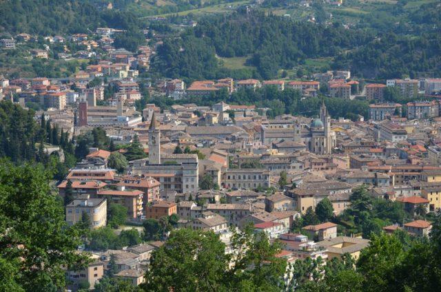l'affascinante centro storico di ascoli piceno