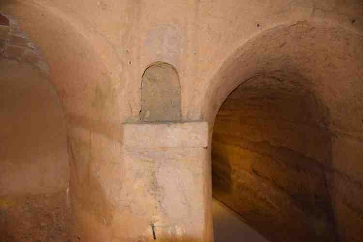 sala trionfi nelle grotte di camerano