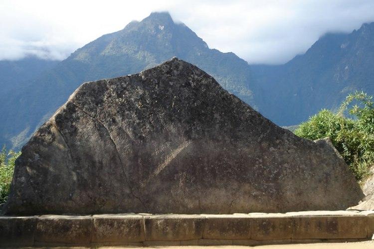 la roca sagrada nel complesso monumentale del machu picchu