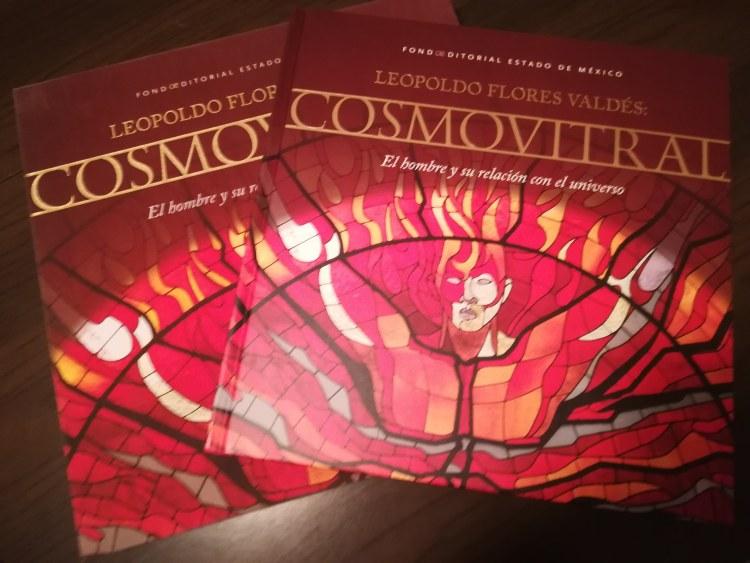 Copertina dell'edizione limitata del libro Cosmovitral: El hombre y su relación con el universo