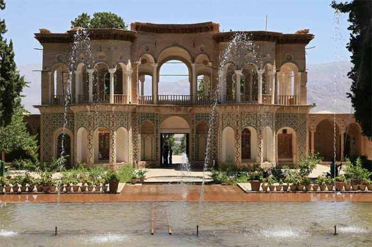 Lo splendido padiglione del giardino persiano Shazdeh Garden | Fonte: Lonely Planet