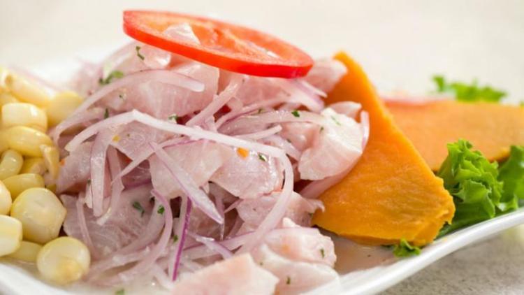 ceviche de pescado a lima capitale del perù