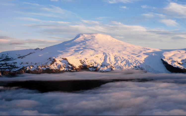 nevi e ghiacciai perenni sulle cime del parco nazionale pumalin