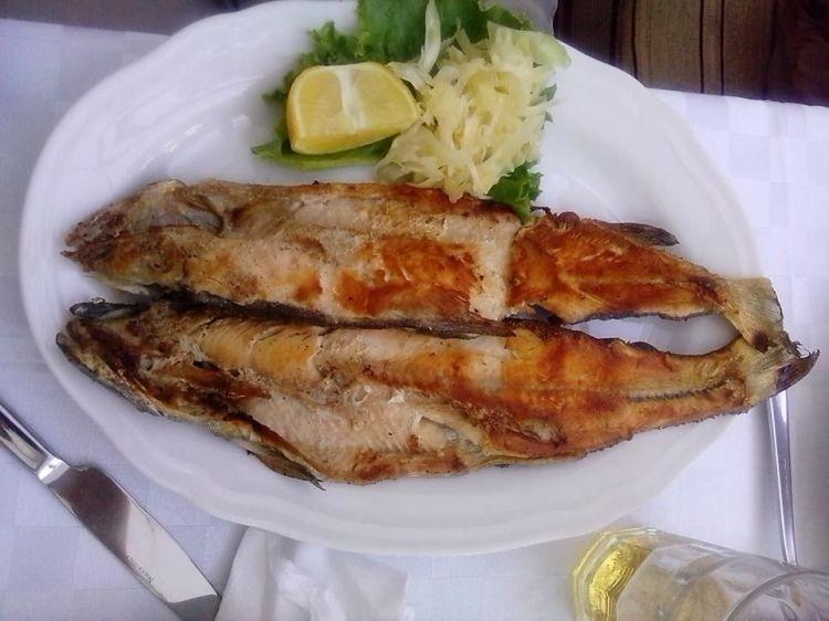 koran la trota salmonata del lago di ohrid piatto della cucina tradizionale albanese