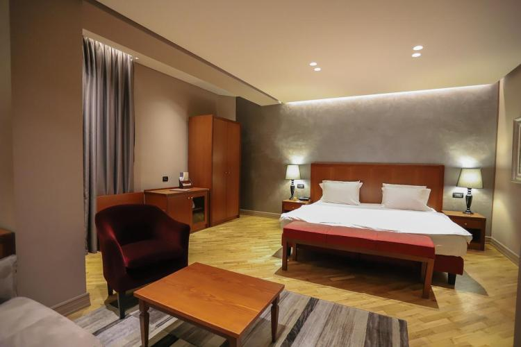 hotel mondial tirana