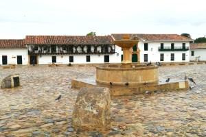 la fontana al centro della Plaza Mayor di Villa de Leyva