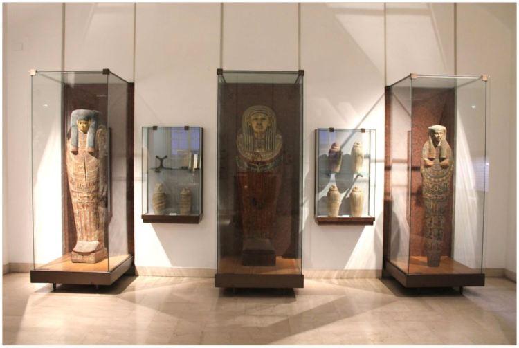 reperti egizi al museo archeologico nazionale di parma all'interno del complesso monumentale della pilotta