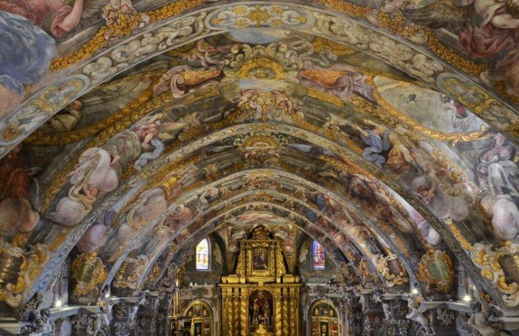 affreschi chiesa san nicolas de bari nel centro storico di valencia
