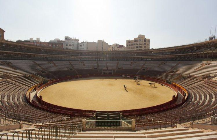 l'interno dell'arena che ospita la plaza de toros de valencia