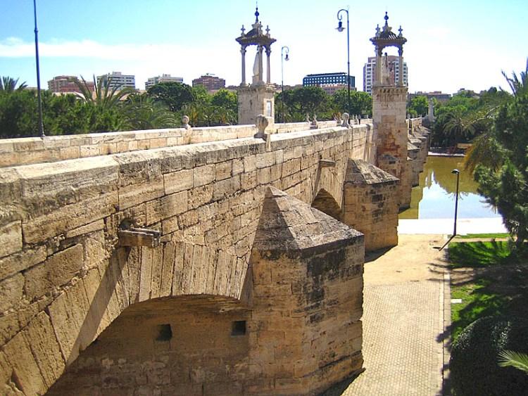 il puente de la mar a valencia