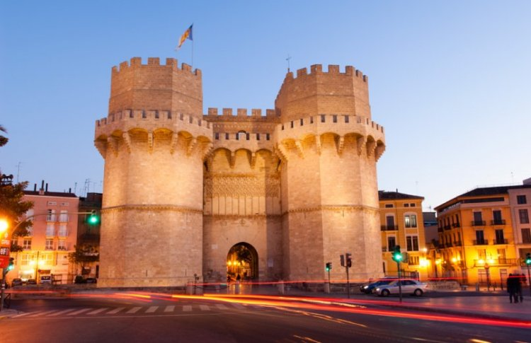 le torres de serrano nel centro storico di valancia