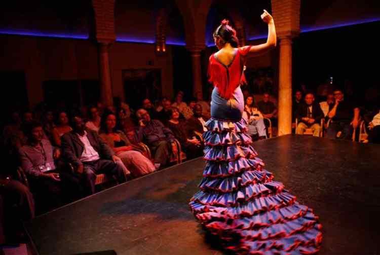 esibizione al museo del baile flamenco di siviglia