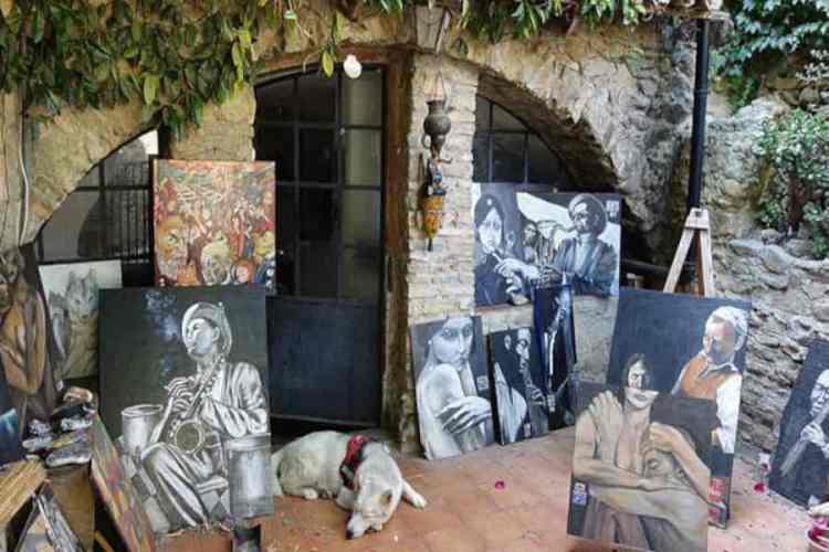 L'atelier di un pittore tra i carugi di bussana vecchia
