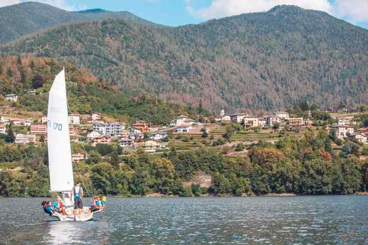 vela sul lago di caldonazzo