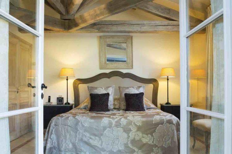 dettaglio di una camera de la bastide de Saint-Tropez, uno dei migliori hotel a saint tropez