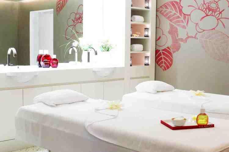 lettini massaggi dell'hotel de paris uno dei migliori hotel a saint tropez