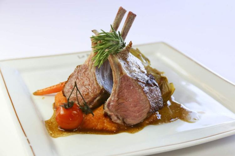 squisito piatto di carne del ristorante dell'hotel de la ponche uno dei migliori hotel a saint tropez