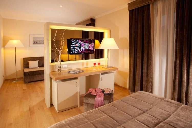 suite hotel piccolo borgo vicino aeroporto ciampino