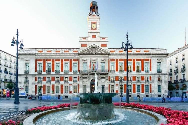 il palazzo della comunidad de madrid nella puerta del sol