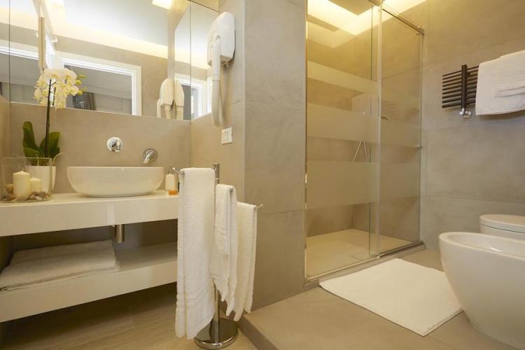 il bagno di una camera del b&b mondello design