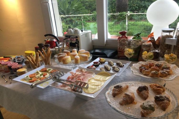 il breakfast del b&b mondello design