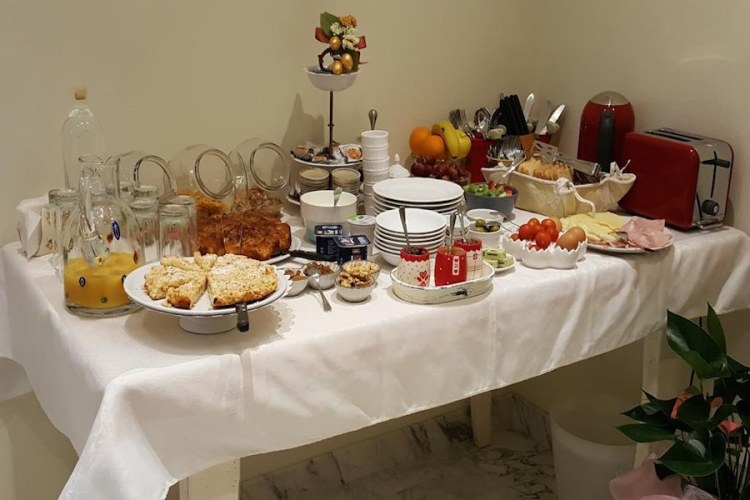 il breakfast del five roses bed & breakfast a pisa