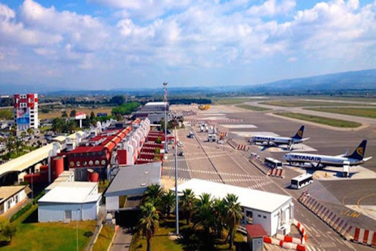 l'area delle operazioni dell'aeroporto lamezia terme
