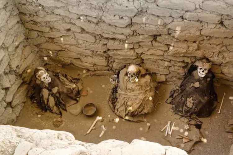 una tomba del cimitero di chauchilla vicino a nazca