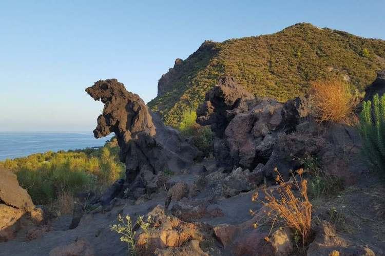 la valle dei mostri a vulcanelli sull'isola di vulcano arcipelago eolie