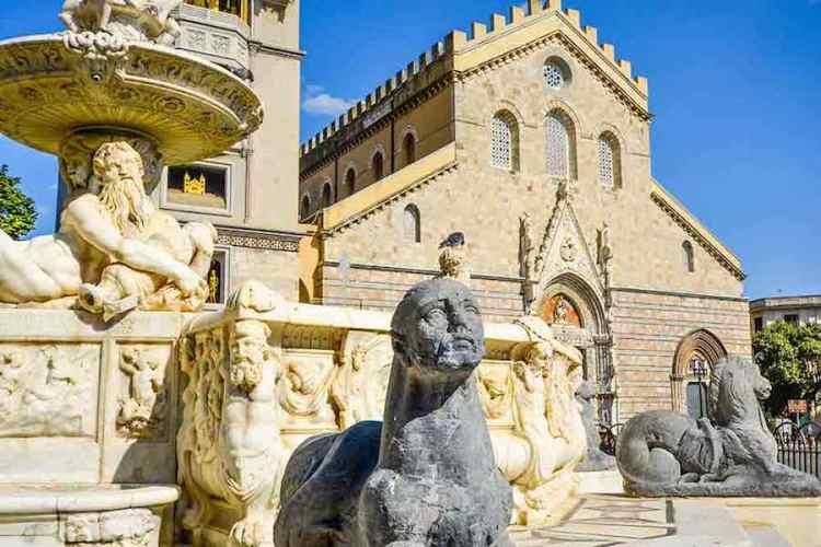 il duomo di messina e la fontana di orione a messina sicilia