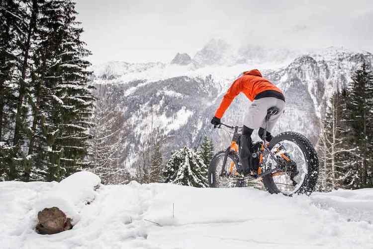 fat bike sulla neve a chamonix
